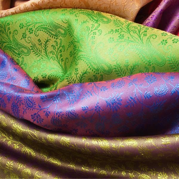 virmuze exhibit Silk Under Modern Art Context logo main