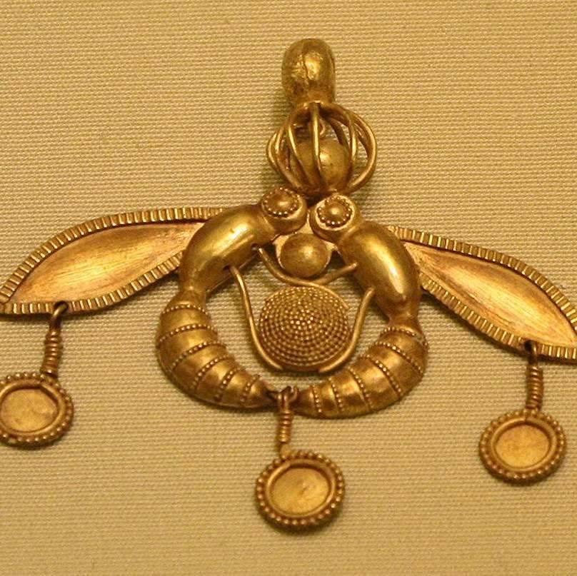 virmuze exhibit Minoan Bee Pendant logo main